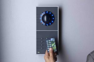 Handvenenscanner frontal mit RFID-Karte